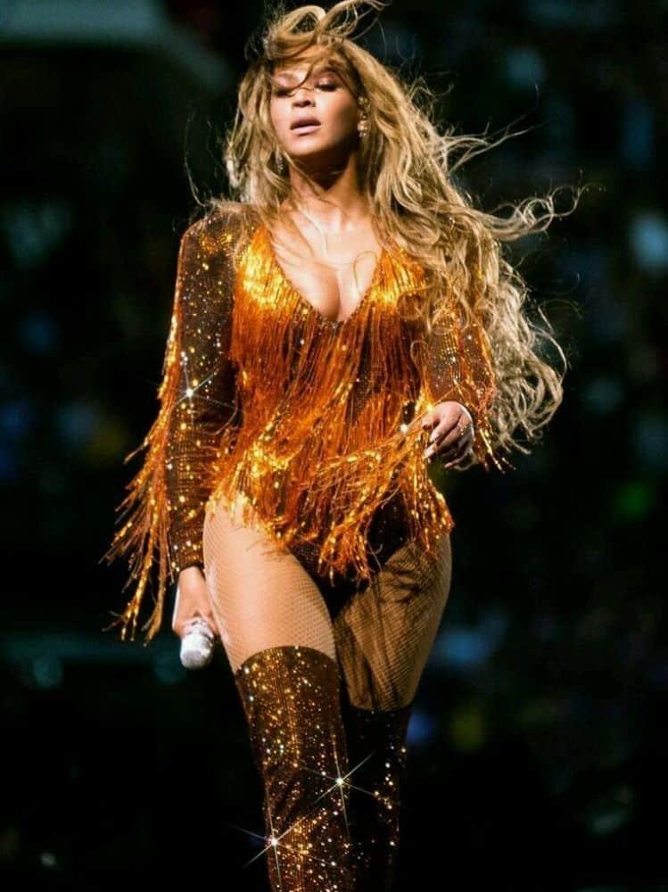 Beyonce curvy