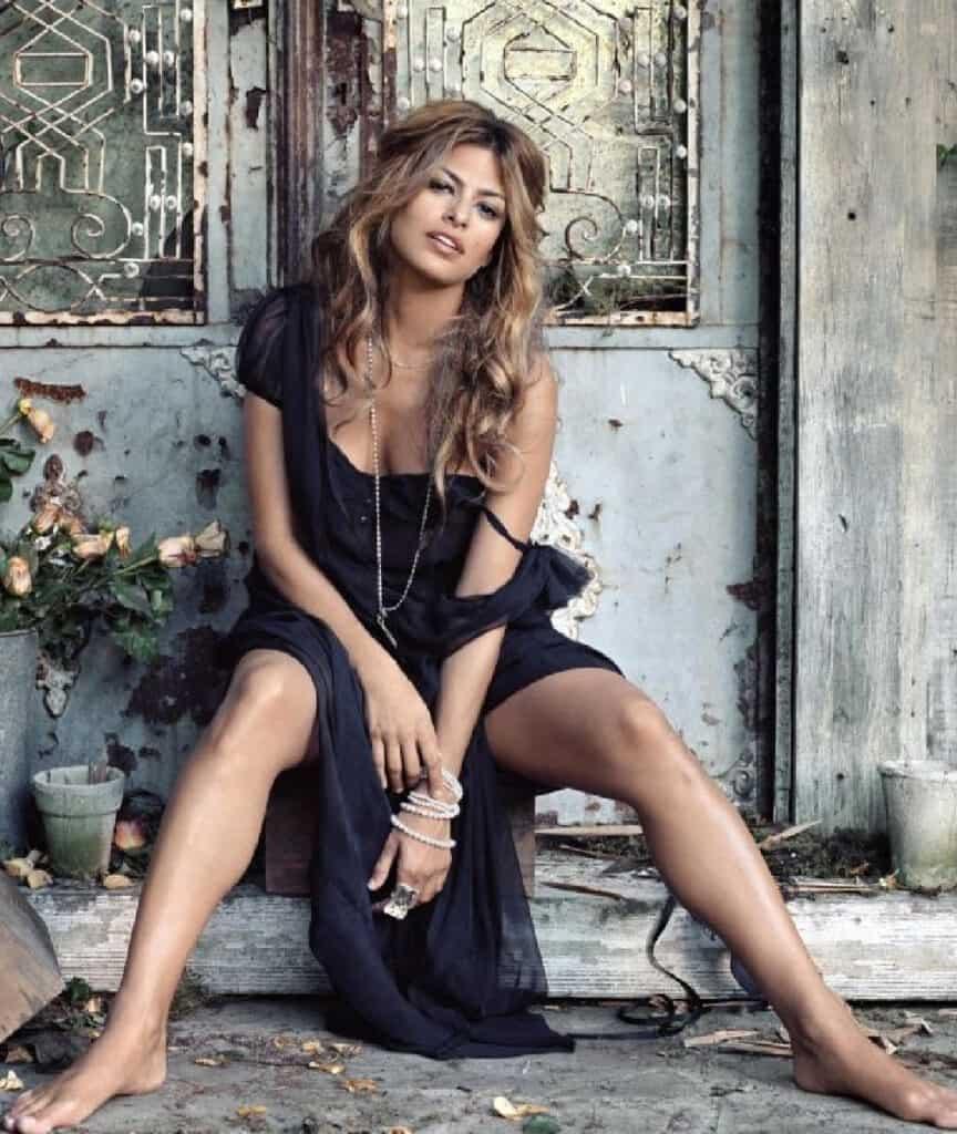 Eva Mendes beautiful legs