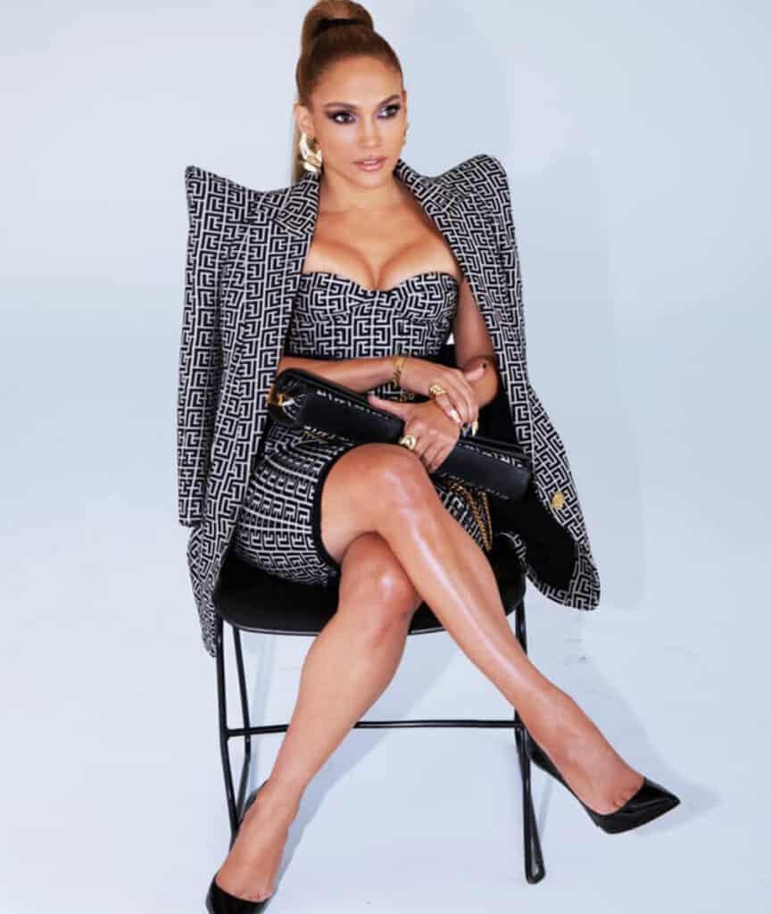 Jennifer Lopez beautiful legs