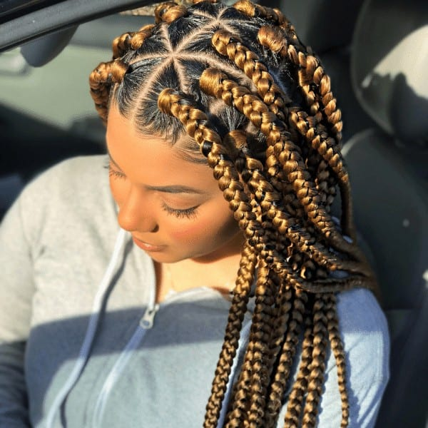 Blonde hairstyle with jumbo box braids