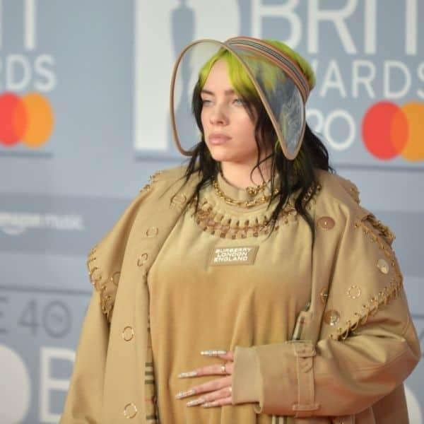 Billie Eilish dressing