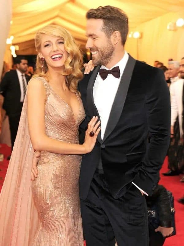 Blake Lively And Ryan Reynolds Celebrate Their 10th Date Anniversary