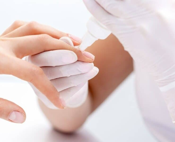 how to remove nail glue